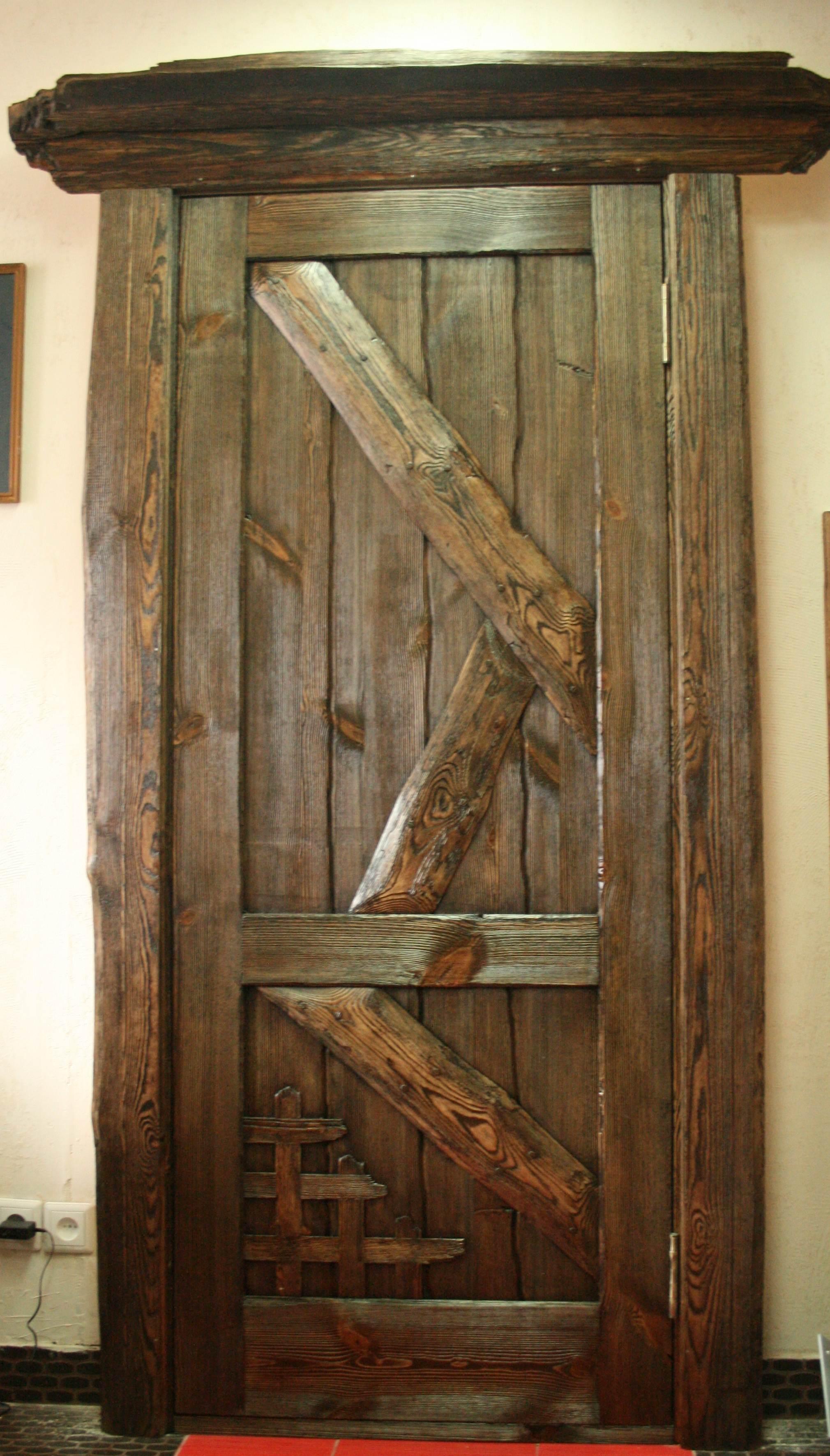 Дверь под старину своими руками фото чертежи