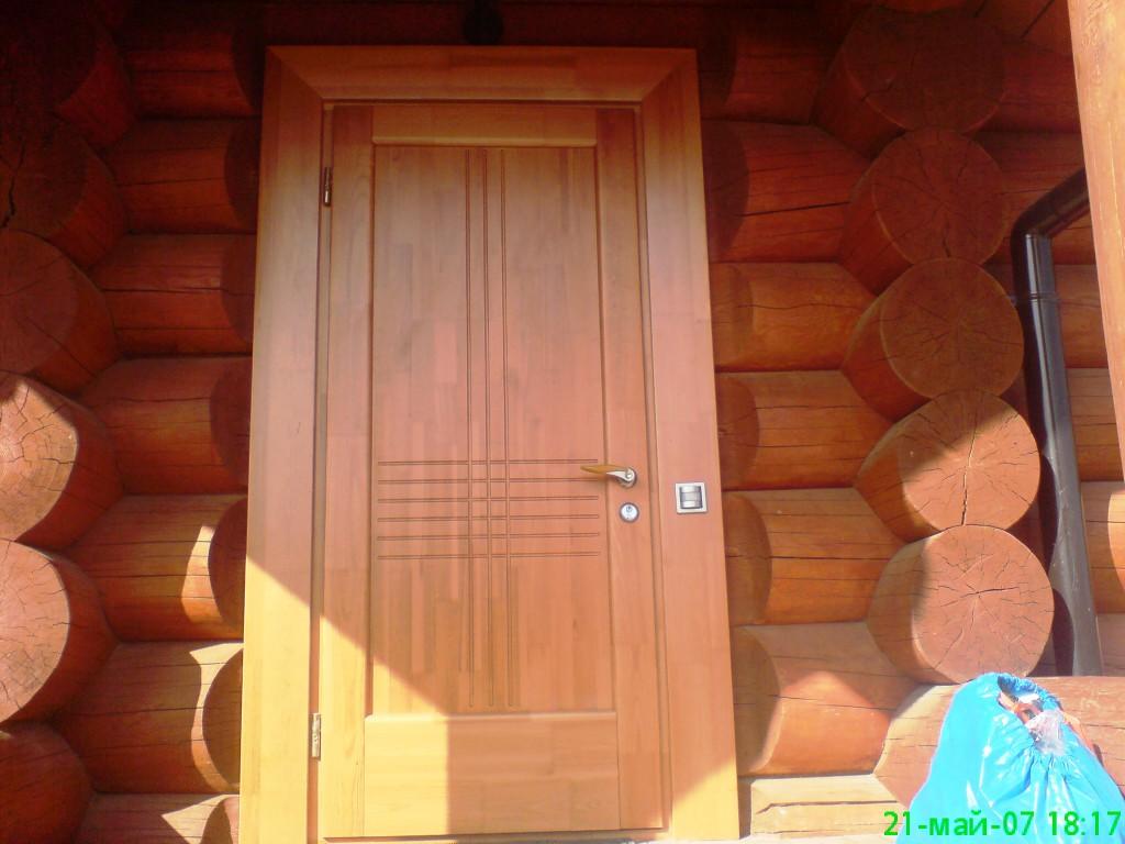 Входная дверь из сосны
